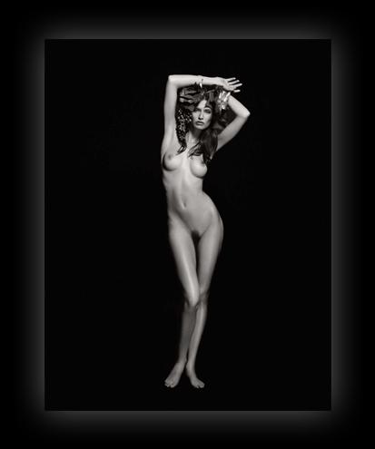kalendar-pirelli-2011-ot-karla-lagerfelda-13.jpg